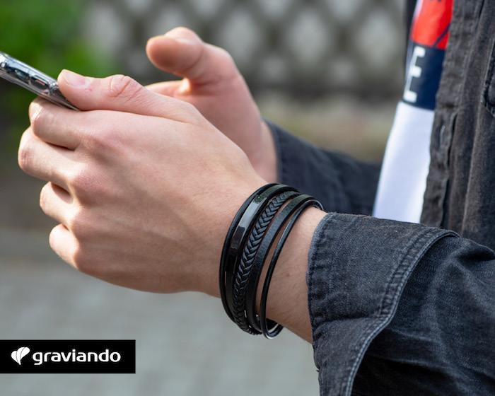 schwarzes armband mit gravur graviando herrenarmband mit gravur selber gestalten