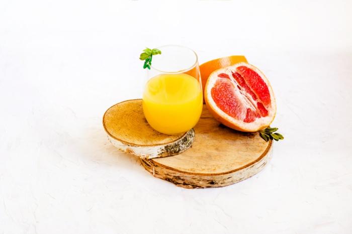 slow juicer kauftipps frischer gesunder saft zuhause grapefruit orange gesund leben
