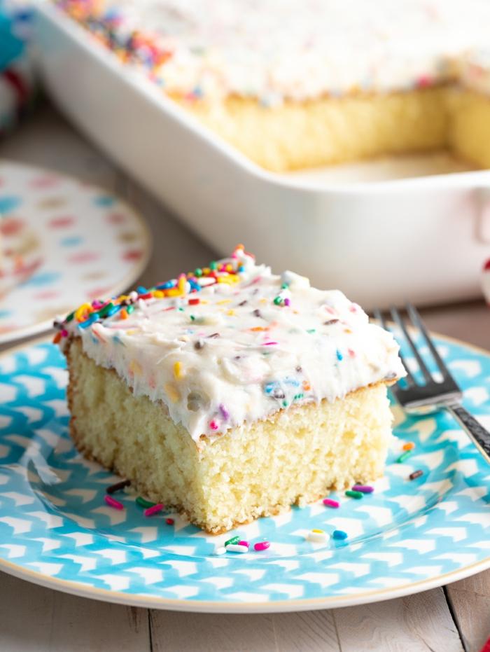 vanille kuchen rezepte einfach und schnell mit wenig zutaten mit bunten zuckerstreuseln