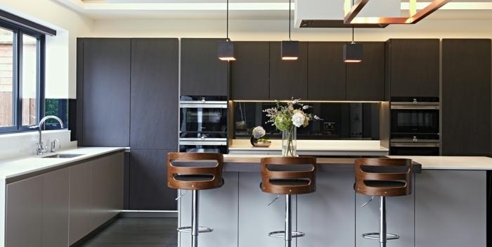 wandfarbe trend 2020 kcuhengestaltung in weiß und schwarz küchenmöbel auswählen küche dekorieren