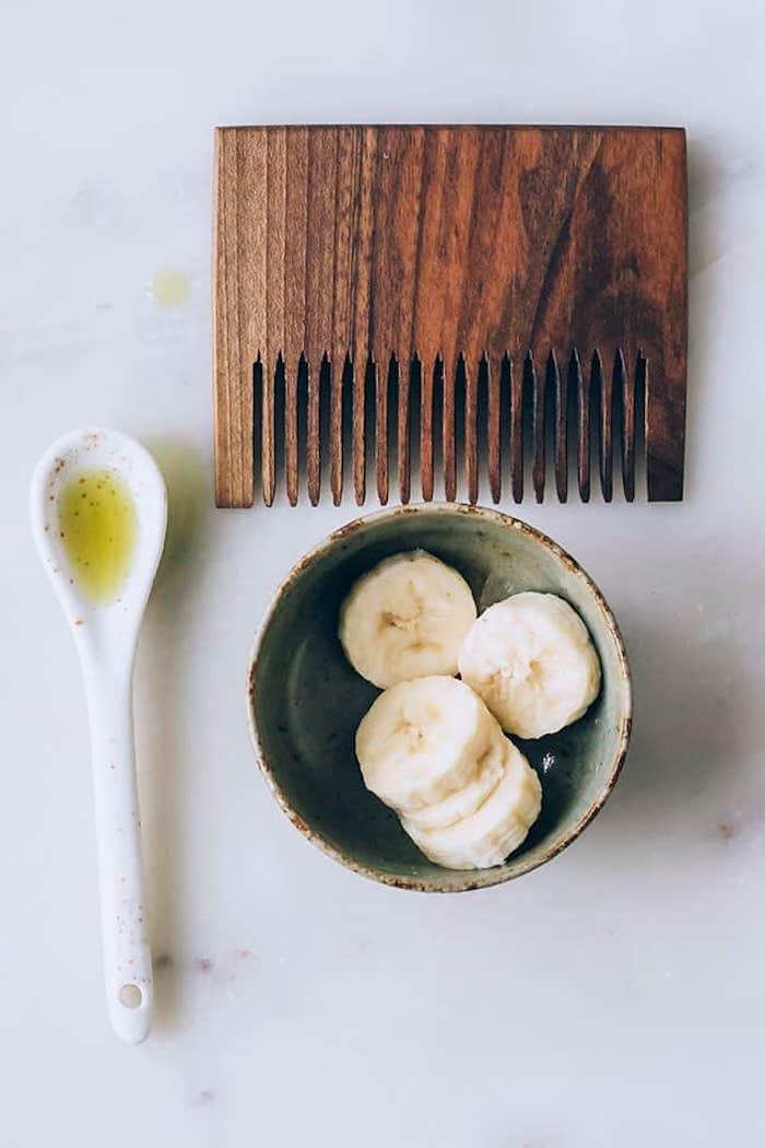 was hilft bei trockenen haaren hausmittel haarkur selber machen mit banane und olivenöl wie gut ist olivenöl für die haare