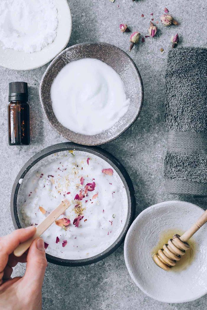 was hilft bei trockenen haaren hausmittel haarkur selber machen mit joghurt und olivenöl honig wie gut ist olivenöl für die haare