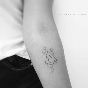 Minimalistische Tattoos - schlichte und elegante Ideen