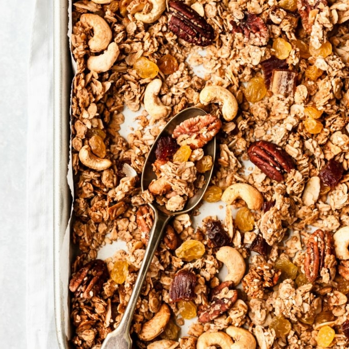 0 granola selber machen selsbtgemachtes müsli mit nüssen und haferflocken pekannüsse cashewnüsse getrocknete früchte