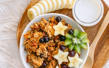 0 granola selber machen sie besten müsli rezepte gesundes frühstück banane kiwi blaubeeren frühstücksideen