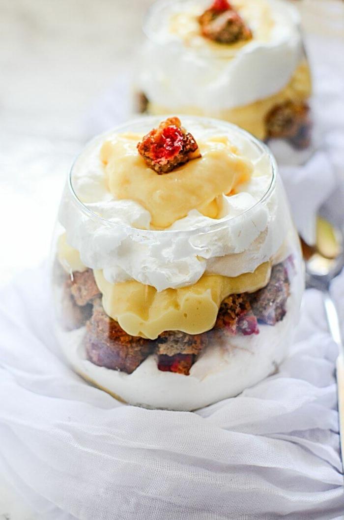 1 rezepte mit bananen nachtisch ideen creme sahne früchte bananenpudding dessert im glas