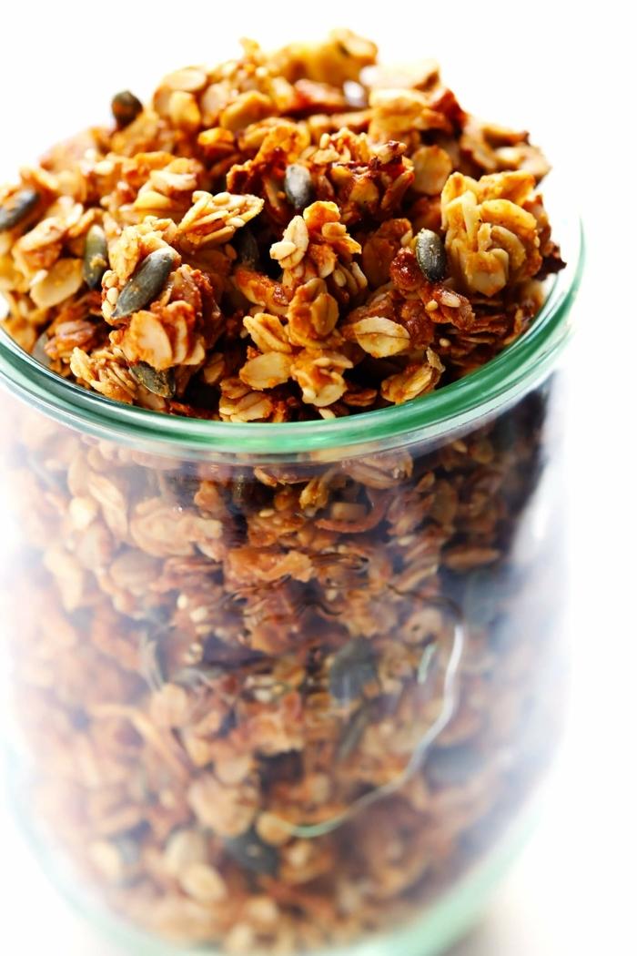 2 müsli selber machen granola mit tahin und nüssen gesundes frühstück fitness essen zum abnehmen