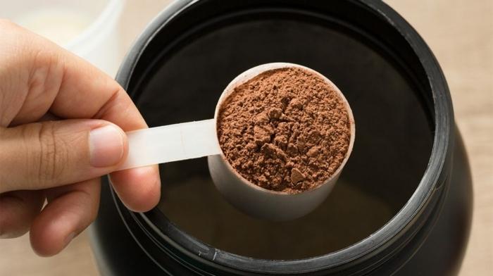 2 shakes zum abnehmen proteinshake selber machen eiweißshake mit schokolade proteinpulver