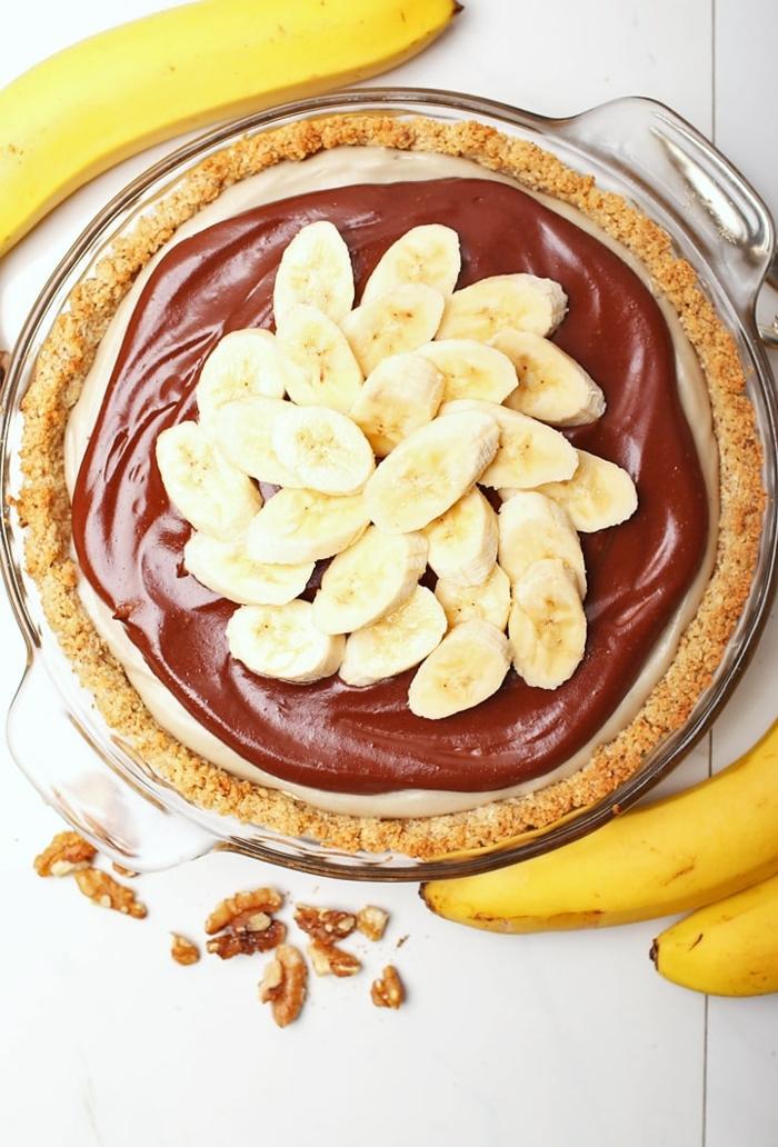 bananen kuchen rezept einfach bananenpie mit schokolade und wanüssen brunch nachtisch ideen für gäste