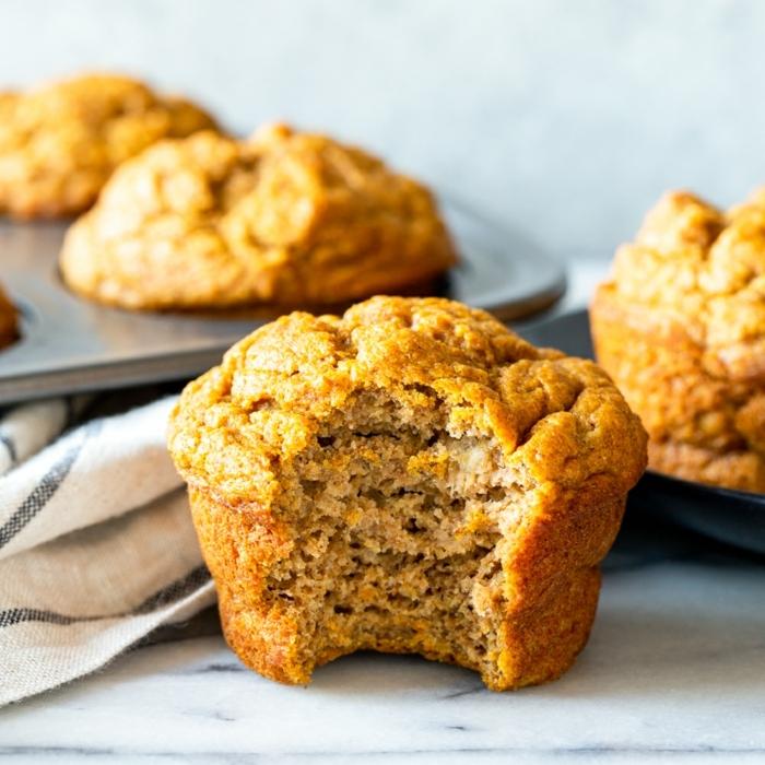 bananenmuffins ohne zucker muffins mit bananen und küsbiss backrezepte ideen backen mit bananen