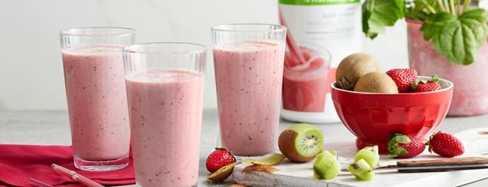 eiweißpulver zum abnehmen eiweißshake rezepte shakes mit erdbeeren und kiwi gewicht verlieren