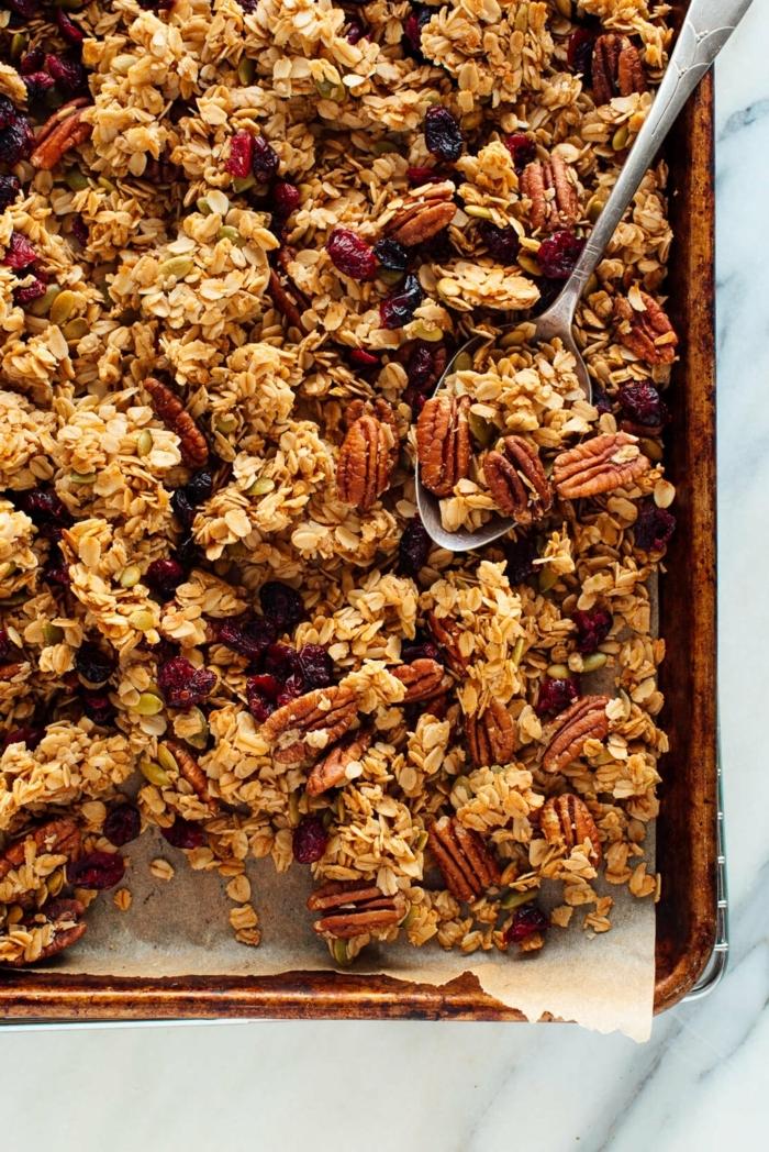 gesundes müsli selber machen granola mit pekannüssen frühstück ideen rezepte zum abnehmen