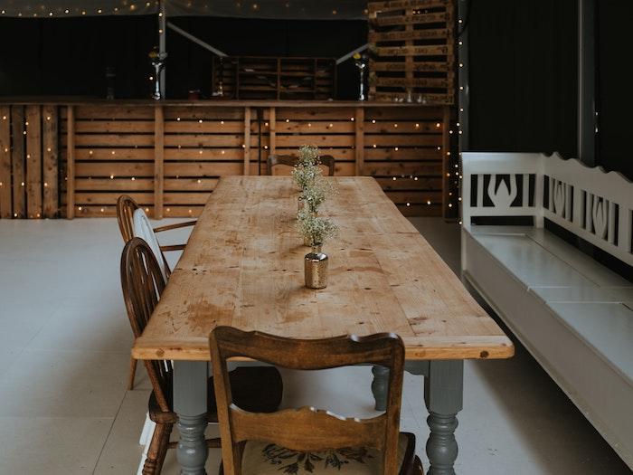 großer esstisch holz esszimmertisch massivholz stühle aus holz weiße bank inneneinrichtung inspiration und ideen interior