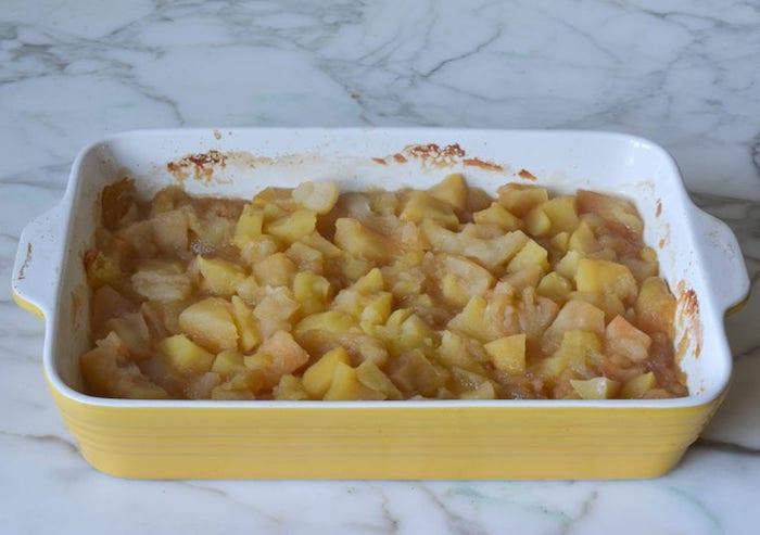 köstliches apfelmus selber machen viele geschnittene äpfelund zimt rezepte mit apfelkuchen diy schrittf für schritt rezept