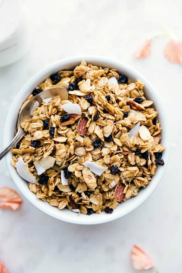 müsli ohne zucker selber machen frühstück mit haferflocken abnehmen essen ideen granola mit kokos