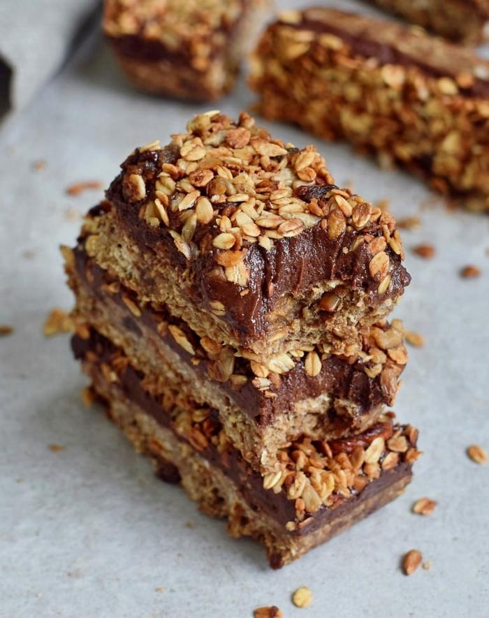 schokomüsli selber machen granola granolariegel mit schokoalde einfache zubereitung fitness essen ideen