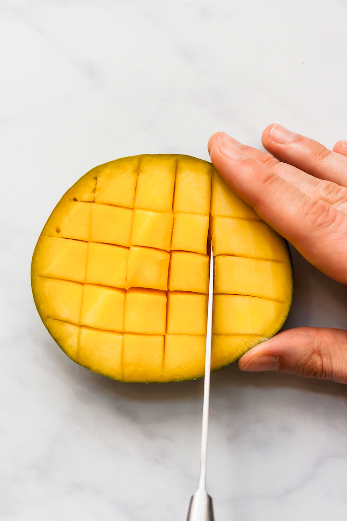 schritt für schritt anleitung wie kann man eine mango schneiden eine reife mango