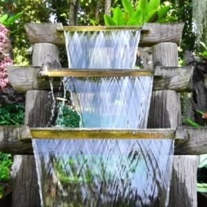 0 ideen für den garten gartengestaltung mit wasserfall außenbereich dekorieren dekoideen für hintergarten