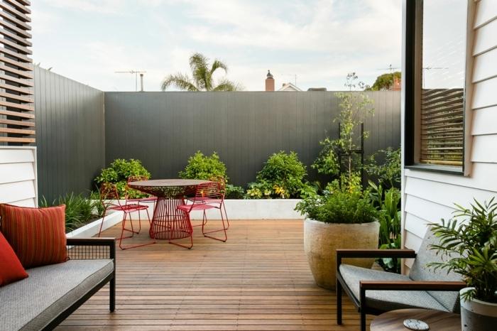 1 kleine gärten gestalten sichtschutz ideen grüne gartenpflanzen moderne gartendeko
