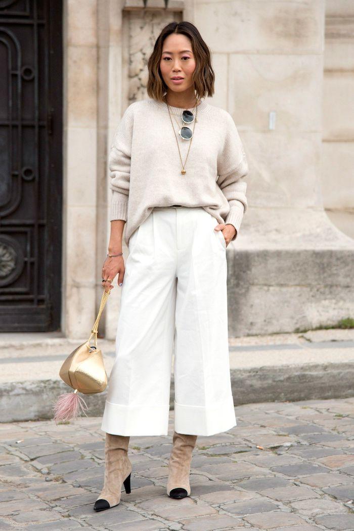 aimee sond outfit inspiration beige und weiß goldenen mini tasche stiefel mit absatz welche schuhe zur culotte kurzhaarfrisuren
