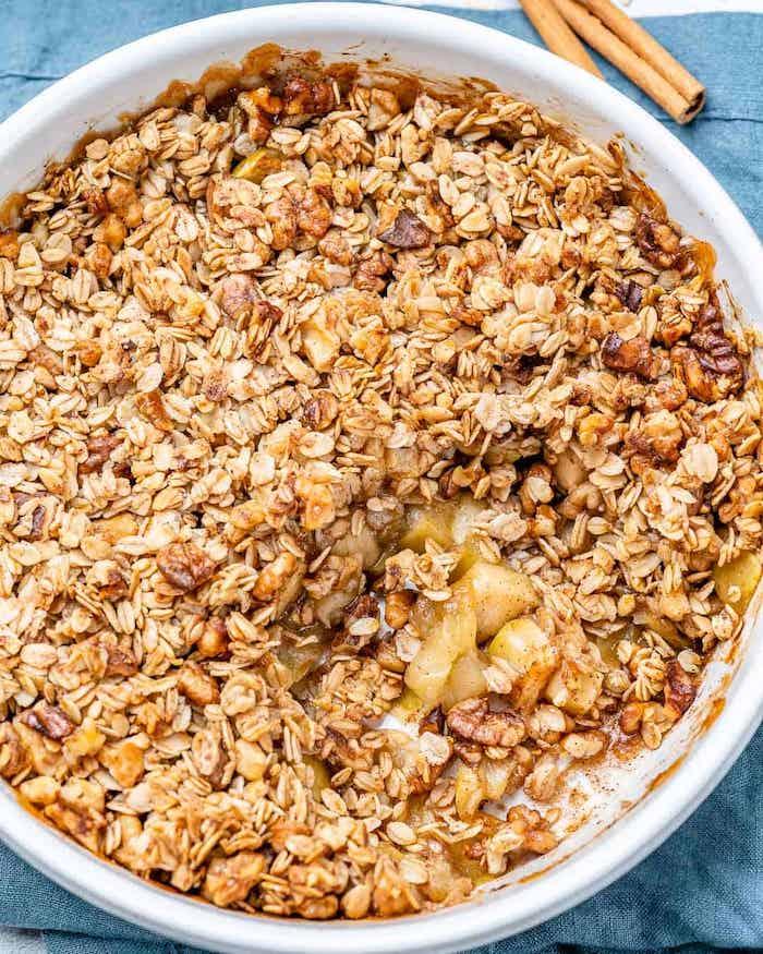 apple crumble rezept zutate zimt eine schlüssel mit apple crumble blaue decke