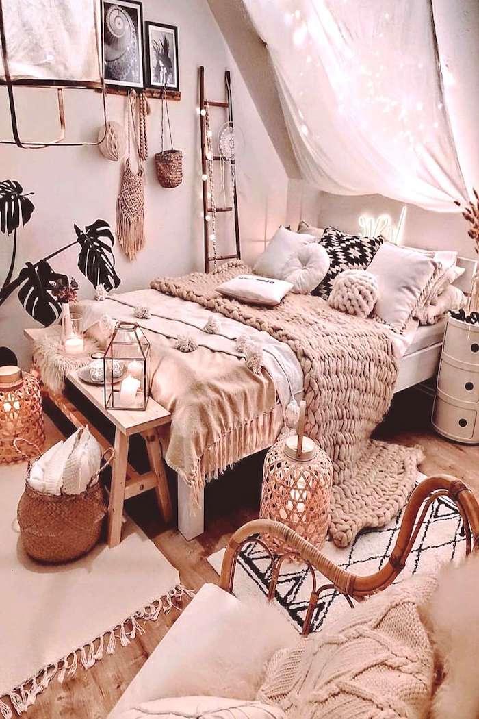 böhmischer stil ideen für das schlafzimmer dekoration boho chic style pinke und beige farben tumblr zimmer ideen teenager mädchen raum ausstatten
