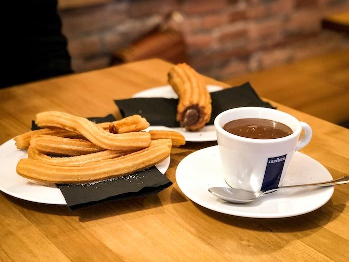 churros con chocolate selber machen frreunde zu kaffe und kuchen einladen was kann man heute machen kuchen machen