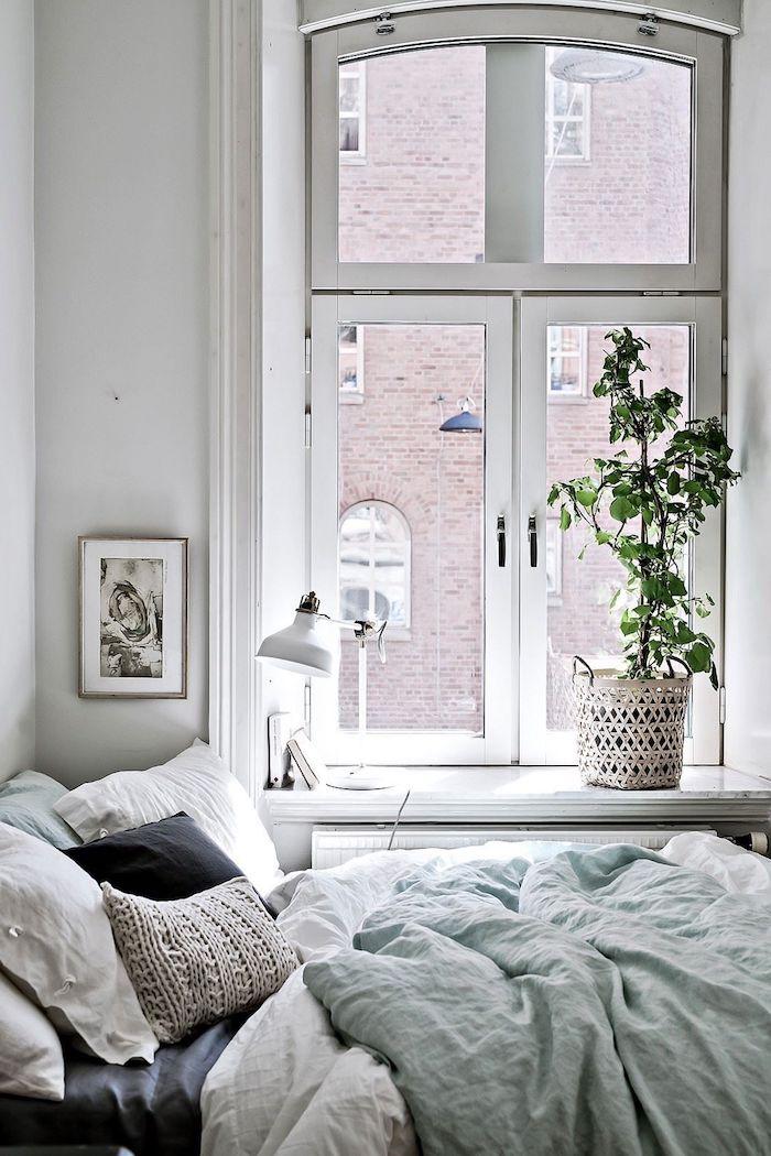 dekoration artikel grüne pflanze neutrale farbtöne tumblr zimmer ikea einrichtung ideen kleinen raum schwarzer kissen skandi style interior design