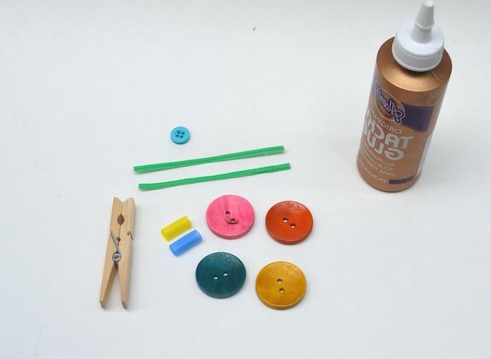 diy batslideen für kinder dekorative autos aus alten holz wäscheklammern und kleinen knöpfen aus alt mach neu