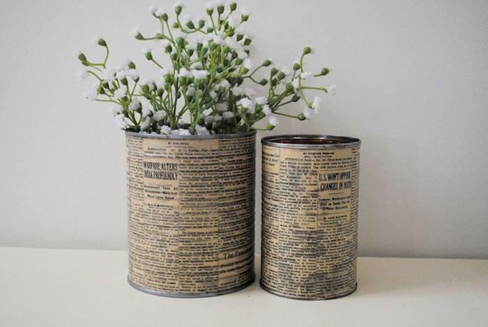 dosen upcyceln ideen zwei blumentöpfe aus alten dosen blumentopf mit grünen pflanzen