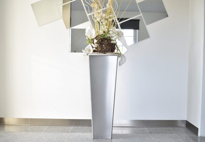 edelstahl produkte kaufen stahlkubnst de pflanzkübel mit blumen elegante einrichtung