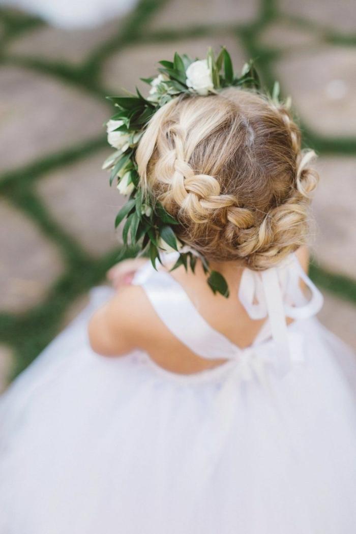 flechtfrisuren kinder dünne haare frisurenideen für kommunion kommunionfrisur mit kopfschmuck