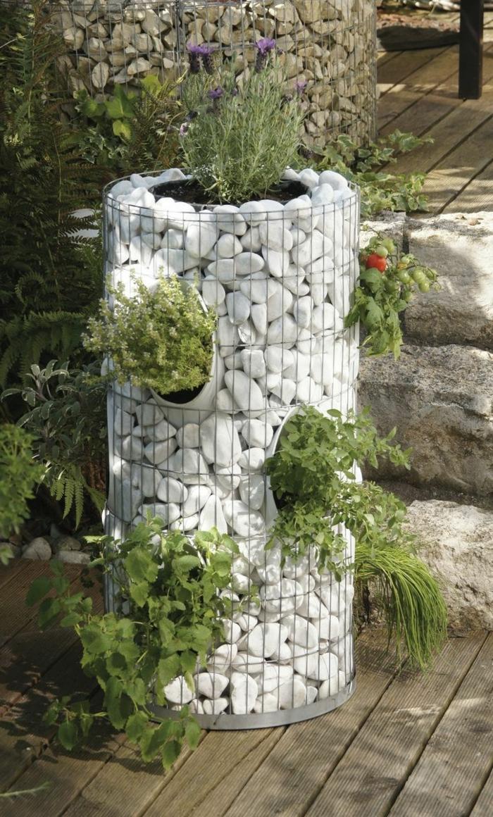 garten deko ideen gartenbeet aus gabionen drahtgitter und steine pflanzen gartenideen