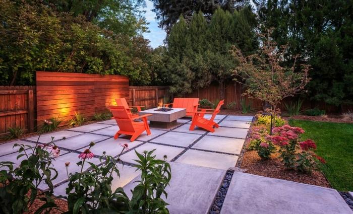 garten gestalten ideen großer hintergarten gartendeko mit blumen und lichtgartenbeleuchtung beispiele
