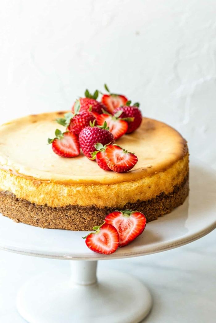 gesunder kuchen mit wenig zucker frischkäsekuchen mit joghurt zuckerfrei boden aus nüssen haferflocken und datteln