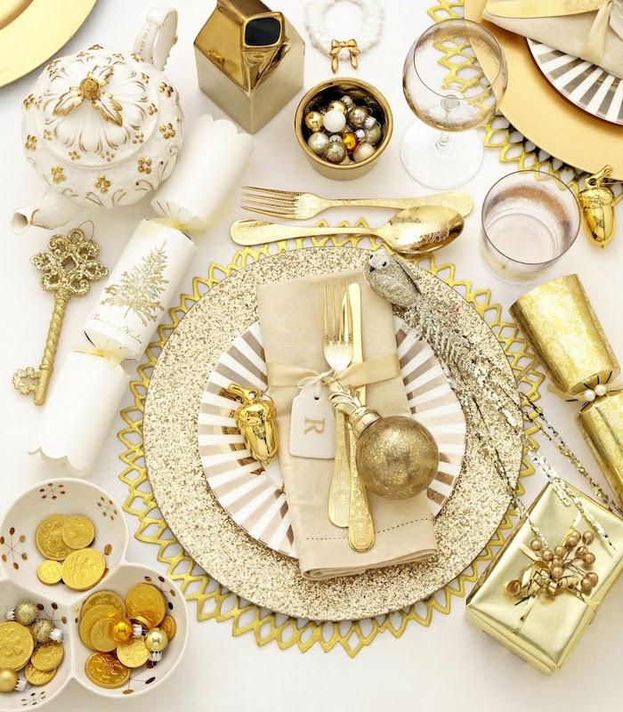 goldene hochzeit tischdekoration 50es jubiläum goldenes geschirr und besteck