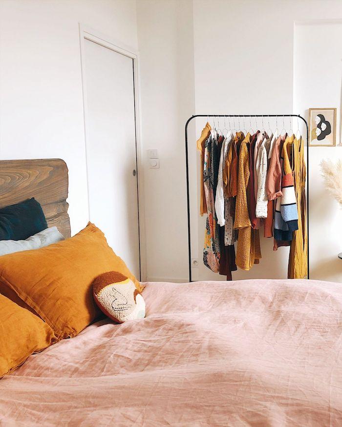 große gelbe kissen jugendzimmer ideen für kleine räume teenager schlafzimmer interior design klamotten auf kleiderständer tumblr zimmer