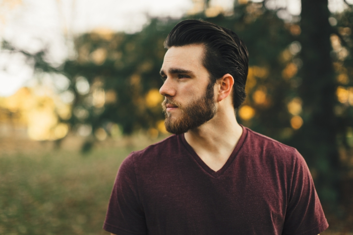 haarausfall behandeln nützliche tipps von archzine mann mit dichten haaren