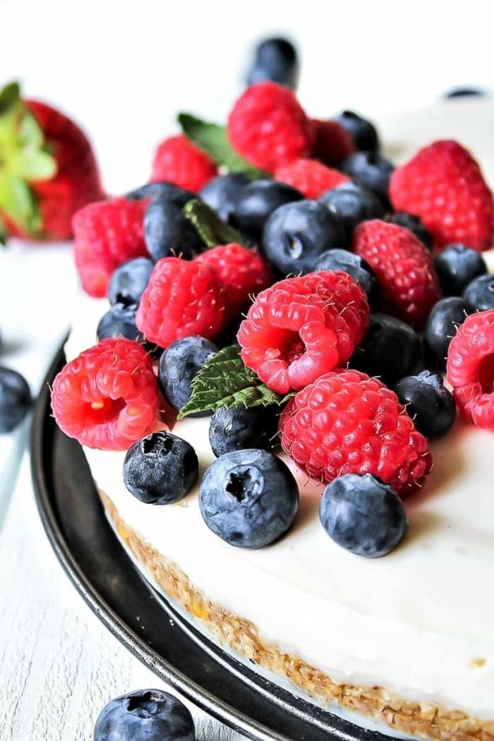kuchen ohne zucker käsekuchen ohne backen zuckerfreier nachtisch mit beeren einfacher cheesecake