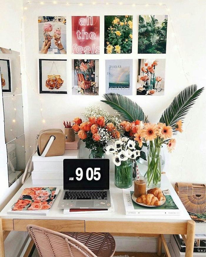 moderne einrichtung zimmer tumblr mit vielen blumen ästhetische bilder an die wand schreibtisch mit laptop büro ausstatten modern