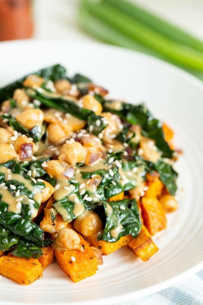 rezept des tages schnelle einfache gerichte süßkartoffel mit spinat und kichererbsen