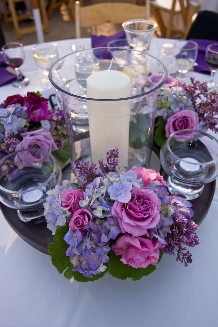 tischdeko zur goldenen hochzeit in lila weiße kerzen und glas ideen goldene hochzeit basteln