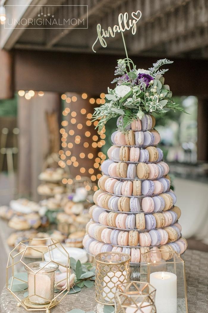 1 candy bar hochzeit macaron tower turm aus makaronen hochzeitsfood ideen hochzeitsideen tischdeko