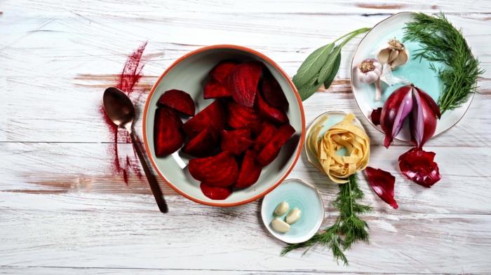 2 halloween rezepte pasta mit rote bete soße nötige zutaten schnell einfach zubereitungsweise