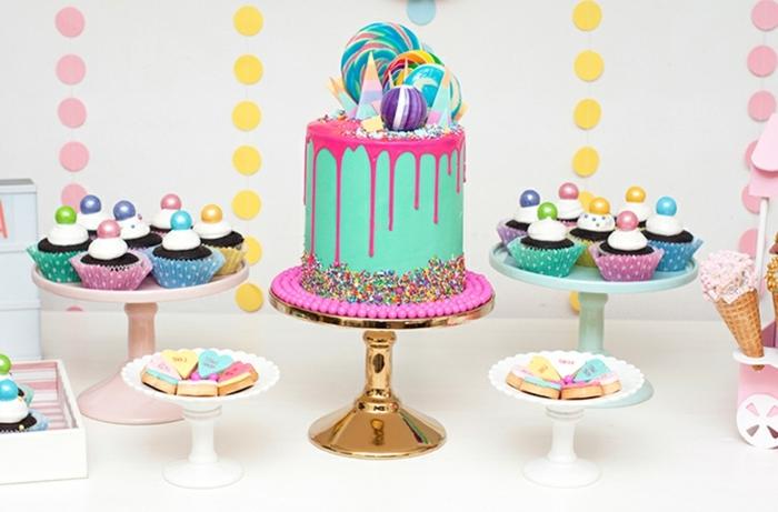 5 geburtstagstorte für 13 jähriges mädchen tortendeko mit lutschern drip cake in blau und rosa kinderparty