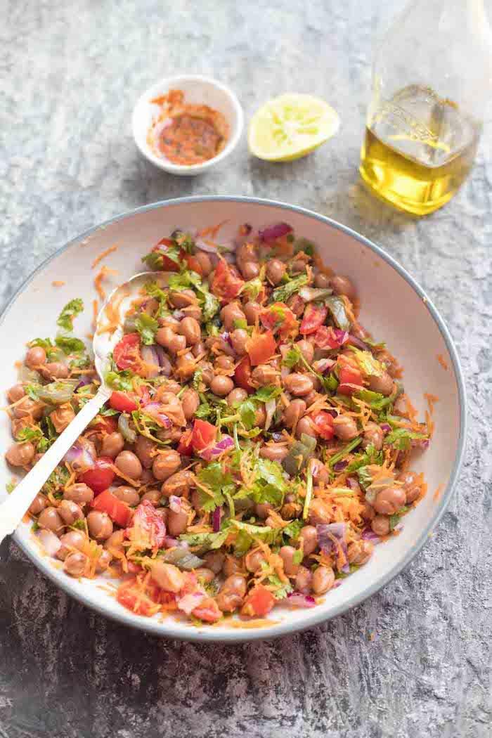6 gesundes mittagessen zum abnehmen einfacher borlottibohnensalat mit karotten zwiebeln kirschtomaten gesunde gerichte kochen