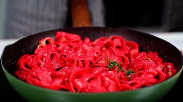 7 was koche ich zu halloween pasta mit rote bete soße einfache zubereitung archzine rezepte