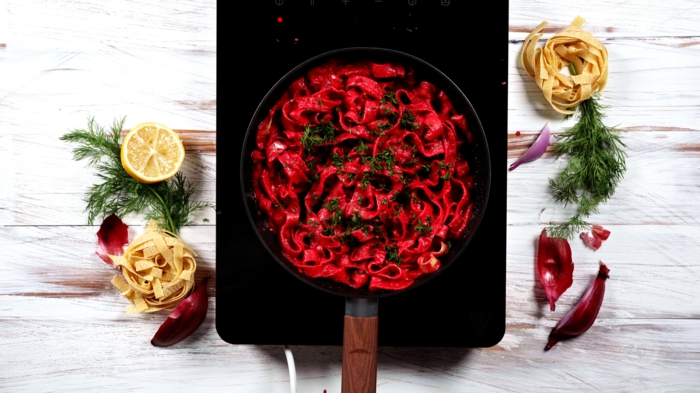 8 halloween essen ideen pasta mit rote bete soße zutaten zubereitung leckere rezepte