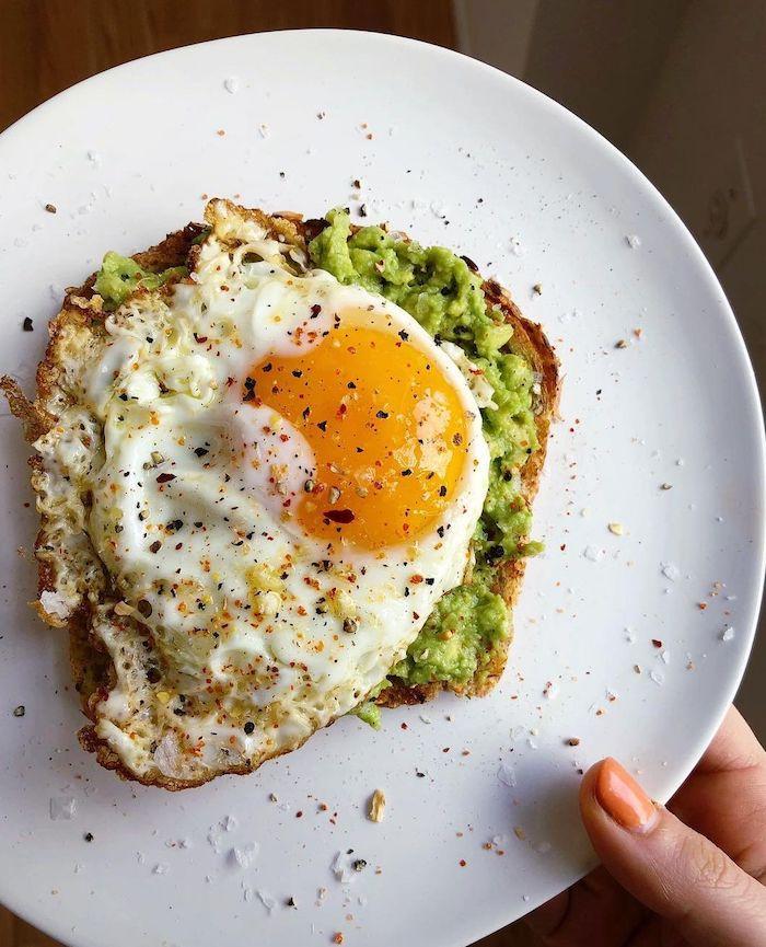avocado mit eier frühstück ideen was koche ich heute vegetarisch toast mit avocadobrei und gekochten eier