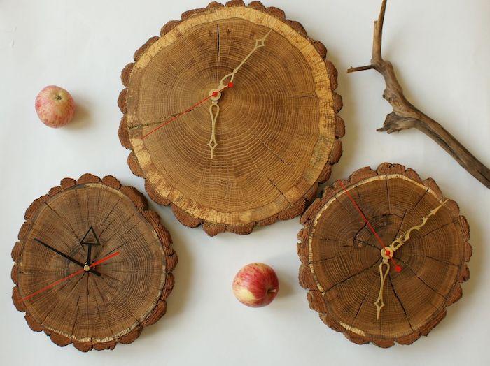 baumscheibe kaufen holzscheibe basteln wanddeko wanduhr diy drei uhre äpfel